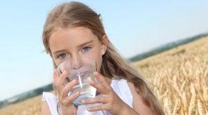 hidratacion-en-verano-farmacia-luis-corbi | Farmacia Luis Corbi